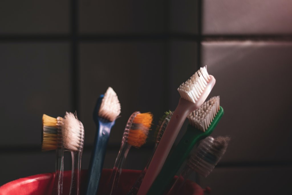 műanyag fogkefe